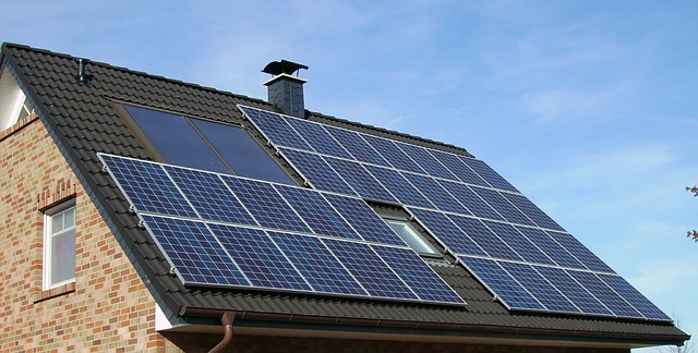 Solar Panel Array House Roof